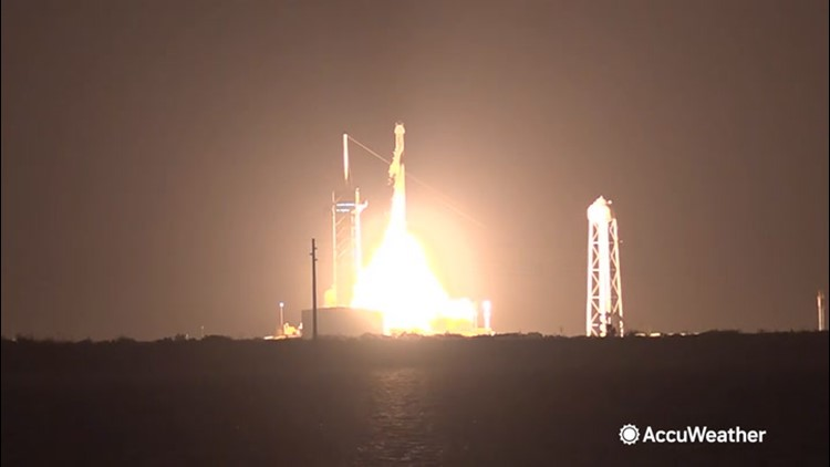 SpaceX rocket launches carrying astronauts