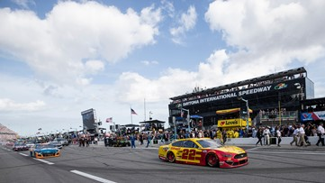 Daytona 500 pushed to Monday afternoon because of weather