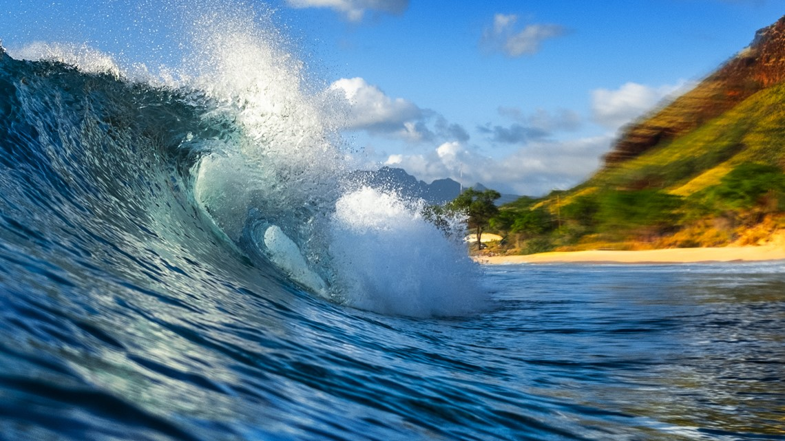 alaska airlines is discounting flights to hawaii based on