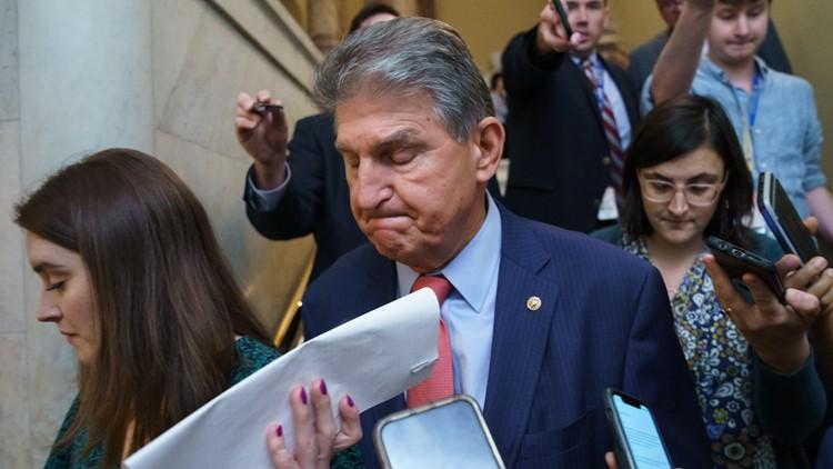 Sen. Manchin proposes changes to Democrats' voting bill