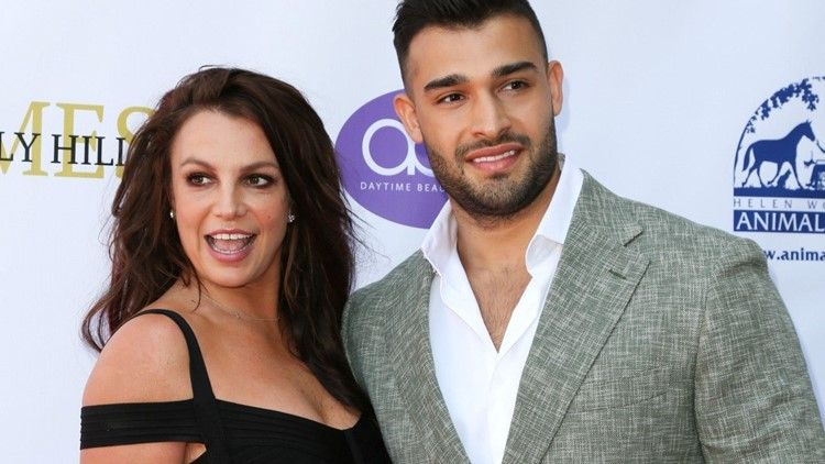 Britney Spears' Boyfriend Sam Asghari Wants to be a 'Young Dad' and Take the 'Next Step' in Their Relationship
