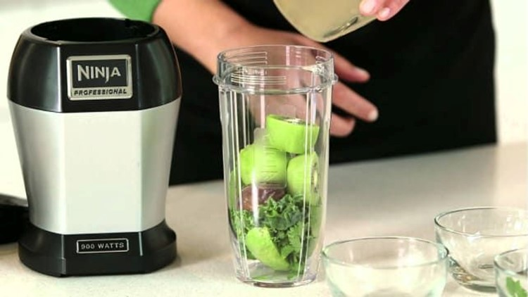 best-kitchen-gifts-2018-ninja-personal-blender.jpg