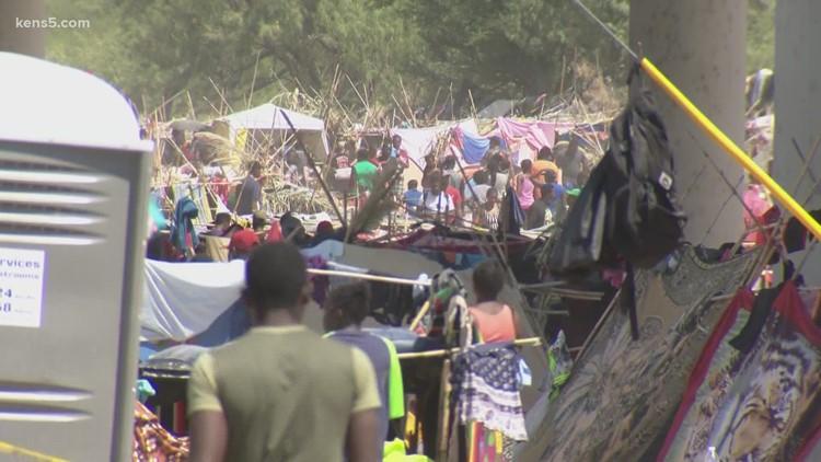 'Unprecedented steps': Gov. Abbott says Texas is arresting migrants in Del Rio