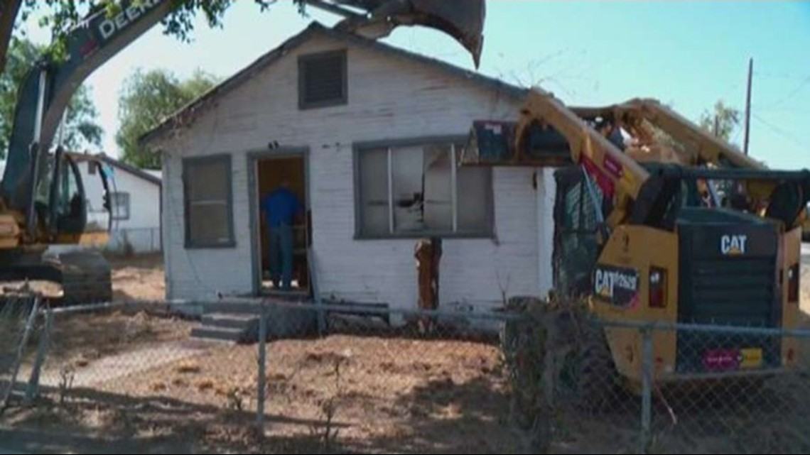 National Guard, Border Patrol demolish homes along the Texas border