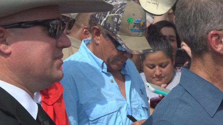 Wfaa george strait returning to houston livestock show rodeo george strait joined gov greg abbott for a meet and greet event in rockport texas a community in the process of rebuilding after hurricane harvey m4hsunfo Gallery