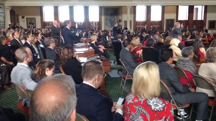 Six senators sworn in on first day of 2019 Texas legislative session in Austin