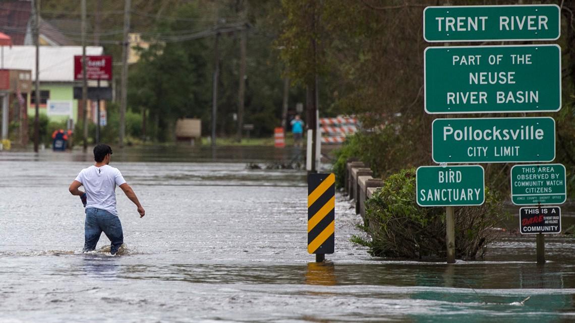 Hurricane Florence lashes USA east coast, triggers flood warnings