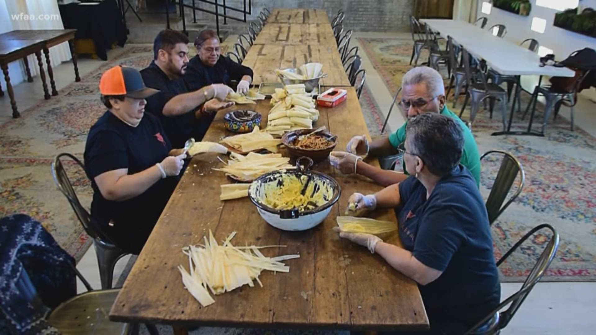 Christmas Tamales Dallas 2020 TGI Texas: Tradition of preparing Christmas tamales helps Fort