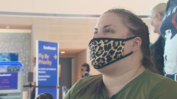Woman getting kidney transplant among travelers dealing with delays, cancelations at Dallas airport