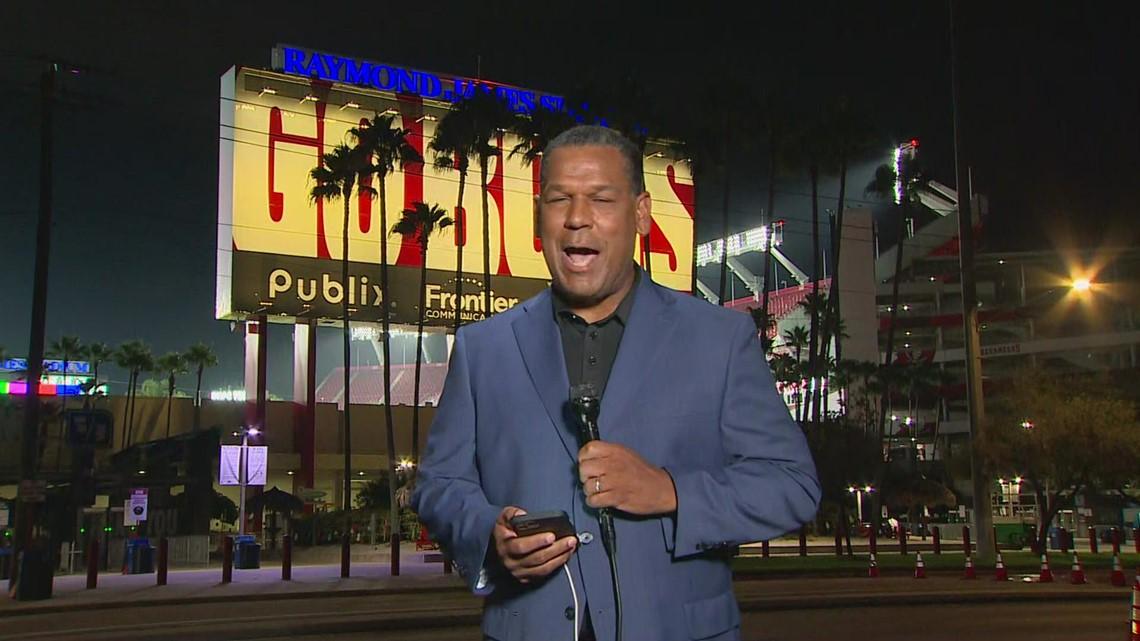 Joe Trahan kicks off his first night as WFAA's main sports anchor live from Tampa Bay