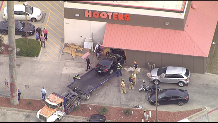 Car crashes into Hooters in North Richland Hills | wfaa com