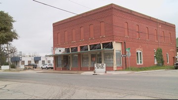 102-year-old Cleburne floral shop bids teary-eyed farewell to community