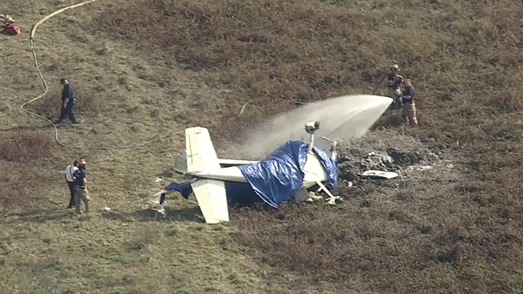 Plane Crash Kills 2 After Hitting Power Line Officials Say Wfaa Com
