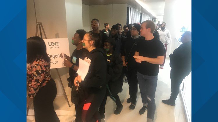 UNT students file into Board of Regents meeting