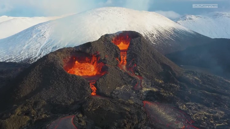 'The greatest show on Earth': North Texas photographer captures stunning images of Iceland volcano eruption