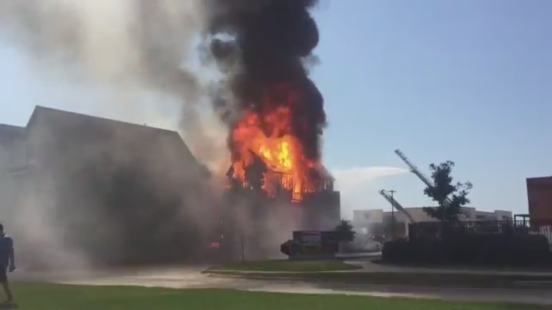 RAW Video: Richardson townhouse destroyed in fire