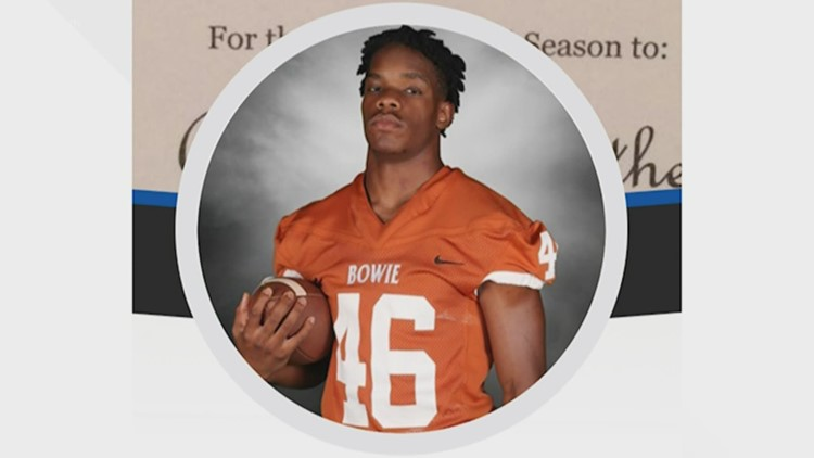 Arlington Bowie football team honors slain player with defining win under Friday night lights