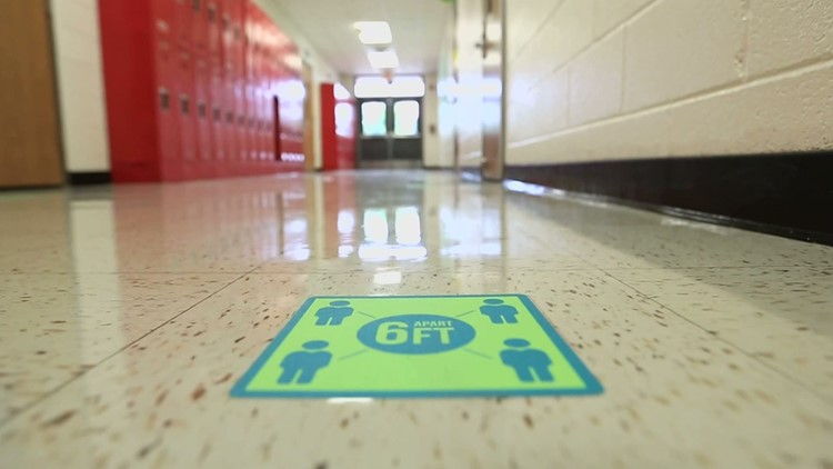 North Texas school districts fielding flood of questions as COVID cases surge weeks before return