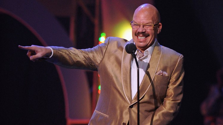 Legendary Dallas radio show host Tom Joyner signs off air for the last time
