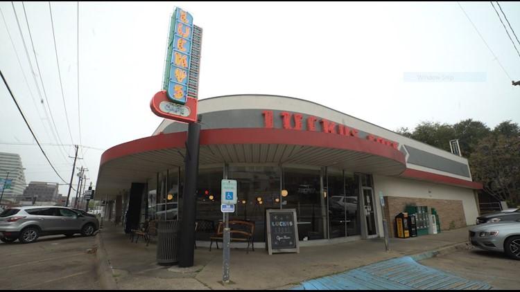 Lucky's Cafe in Oak Lawn