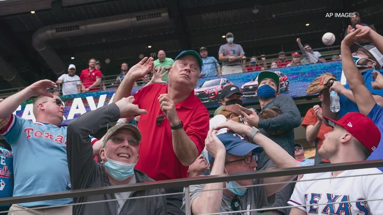 Fans experience first Opening Day at Globe Life Field at 100% capacity