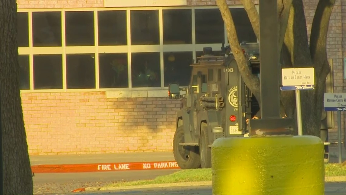 RAW VIDEO: SWAT on scene of shopping center in North Dallas