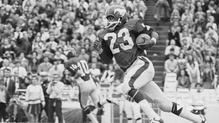 'A living hell': Jerry LeVias, first Black scholarship athlete at SMU, describes treatment on football field