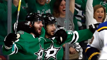Stars bounce back at home to even series with Blues