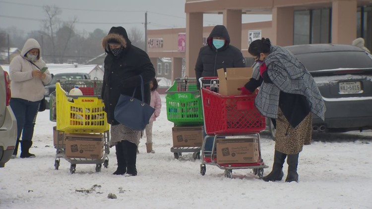 Volunteers needed as organizations works to provide free groceries for  North Texans