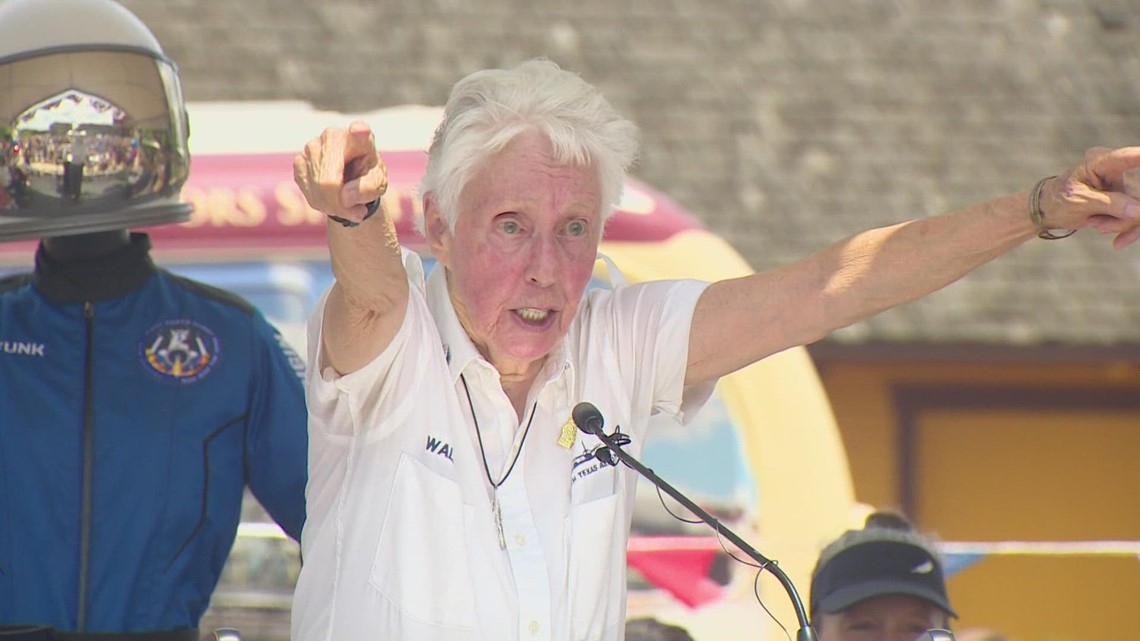 Grapevine community holds parade in honor of 82-year-old Wally Funk after her return from space