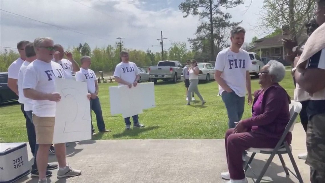 Reasons to Smile: Fraternity brothers pay off former cook's mortgage