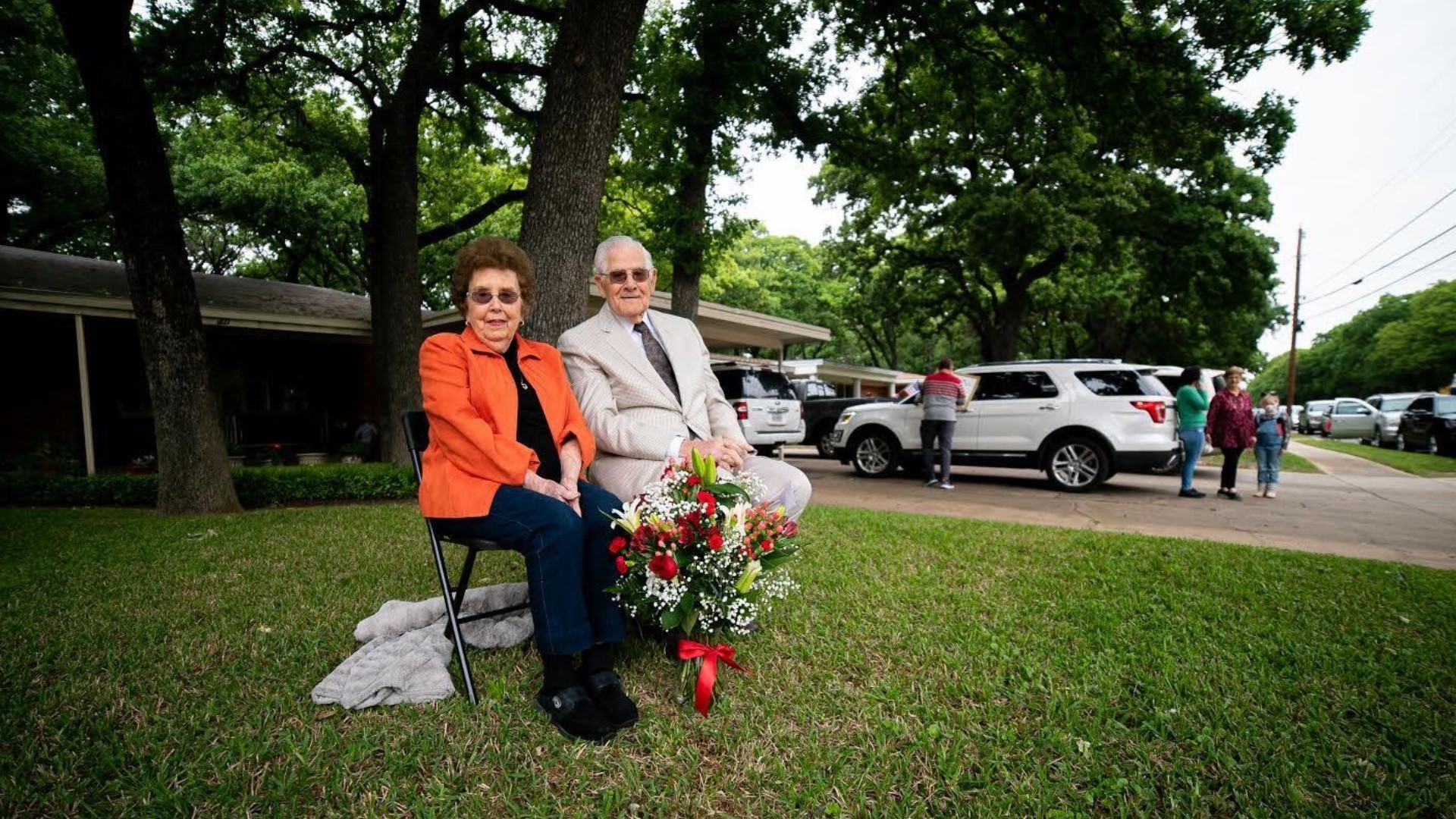 Irving couple celebrates 75th wedding anniversary with a
