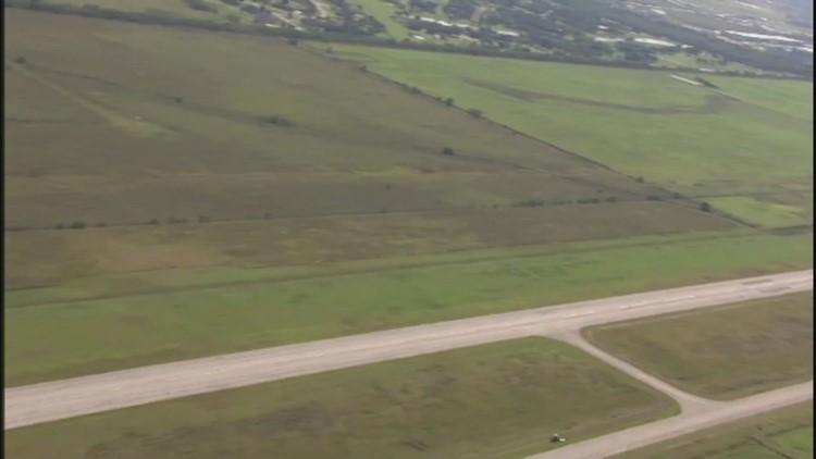 Fire destroys airliner after passengers escape