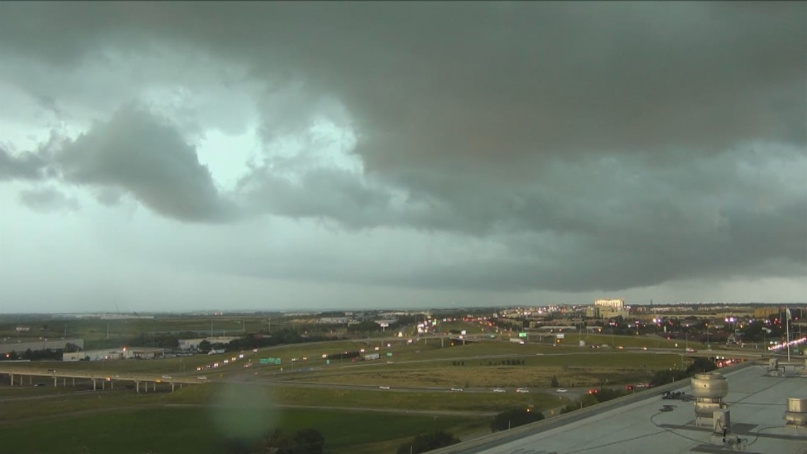 storms cause flight delays  cancellations at dfw airport