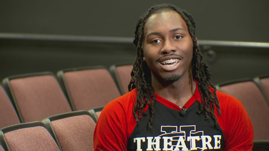 Cedar Hill High School senior receives more than $700K in scholarships for acting