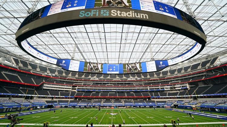 Cowboys defensive lineman Dontari Poe kneels in protest of social injustice