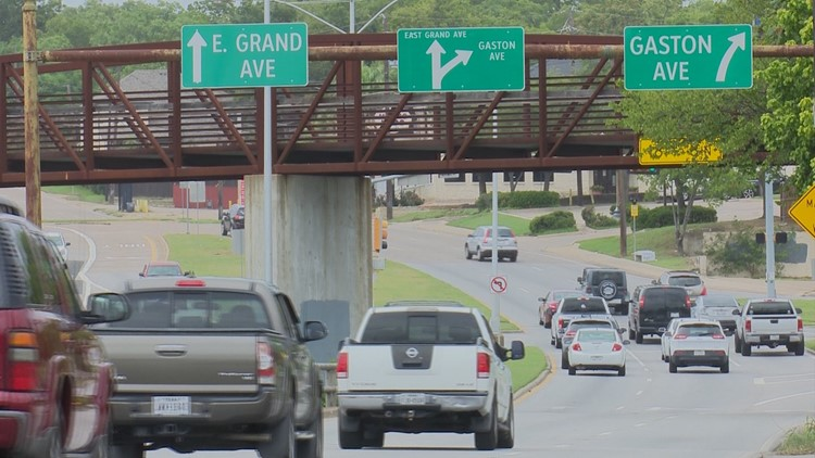 Signs go up opposing TxDOT plan for East Dallas intersection