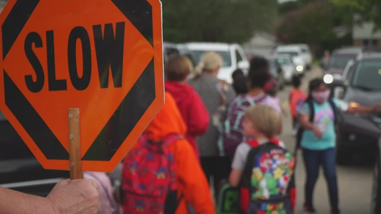 Rural Texas schools begin to temporarily close doors due to COVID-19 cases just days after classes begin