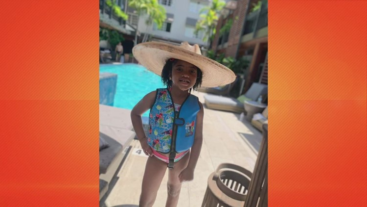 Reasons to smile: North Texas girl rocks her natural crown in Miami