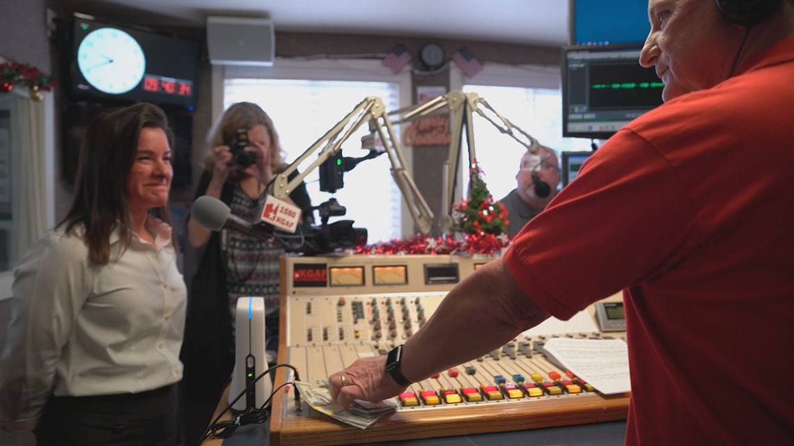 Anonymous donor floods Gainesville Christmas airwaves with $10,000 cash