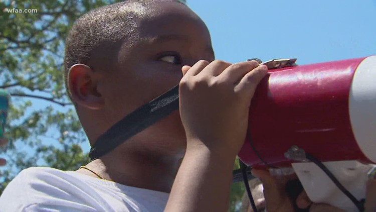 Atatiana Jefferson's nephew leads calls for justice outside Fort Worth mayor's home