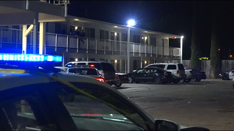 24-year-old man arrested in connection with woman's shooting death at Super 7 Inn in Dallas