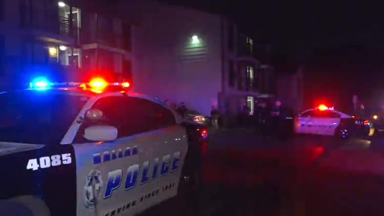 1 killed, 2 others hurt in apartment building stabbing, Dallas police say