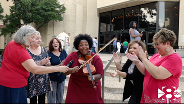 Opening night fun at DSM's 'Fiddler on the Roof'