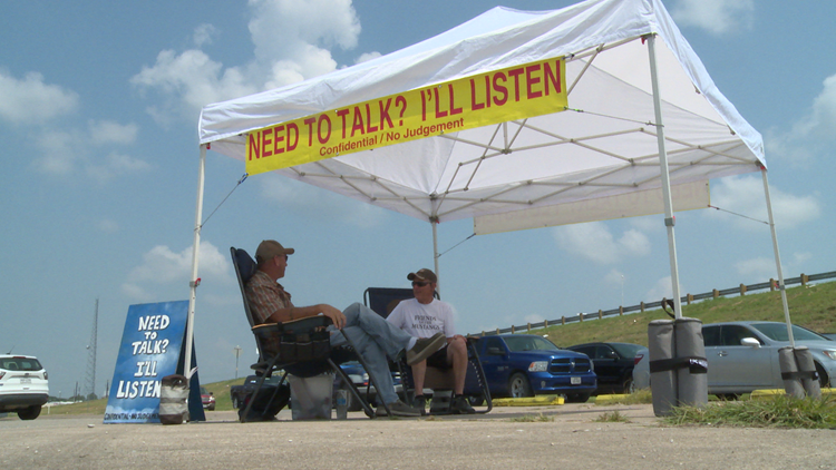 Azle residents find comfort in a stranger who's willing to listen