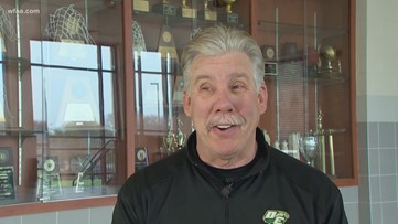 'Stent on 'em': Long-time Desoto Boy's basketball coach returns after recovery