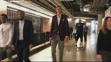 Mavericks introduce Porzingis, as Doncic beams from back of the room