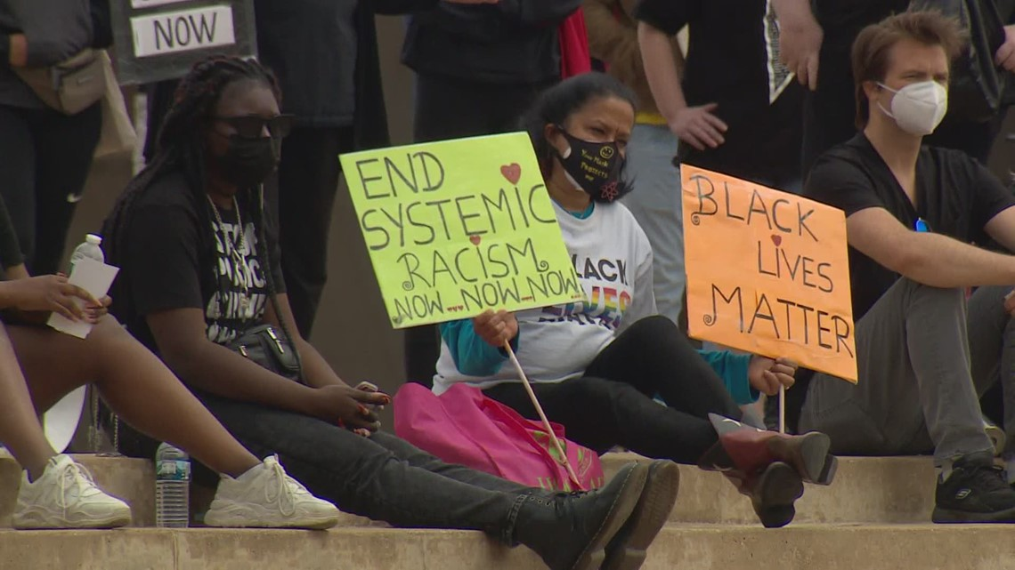 Dual rallies held in Dallas following deadly police shootings of Daunte Wright and 13-year-old Adam Toledo