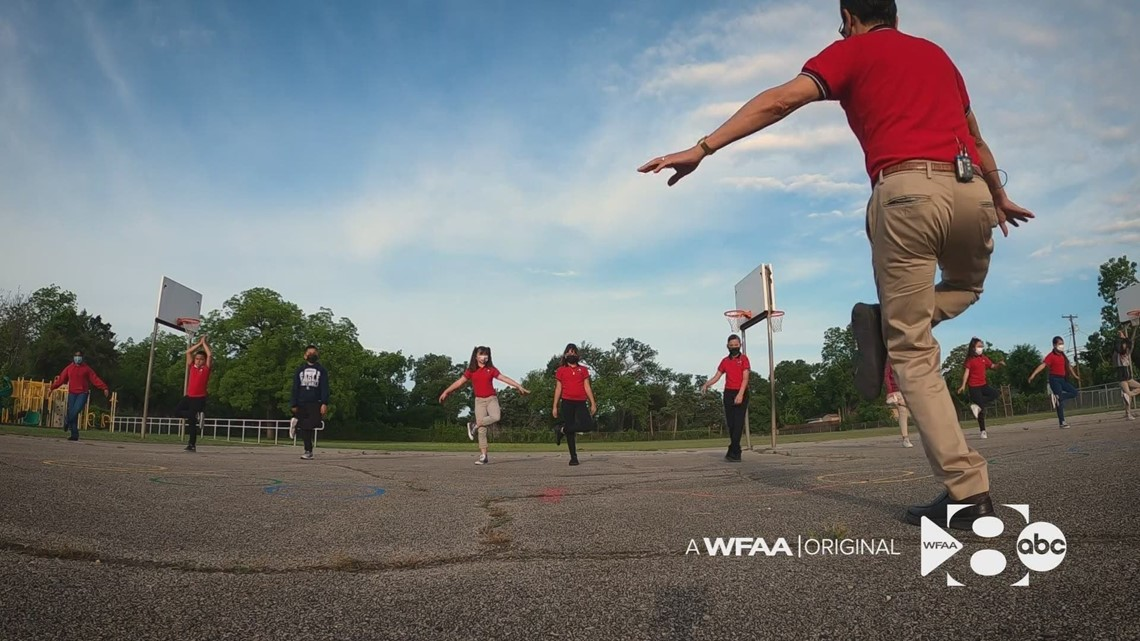 Dallas ISD math teacher turns daily tai chi lessons into academic successes for students