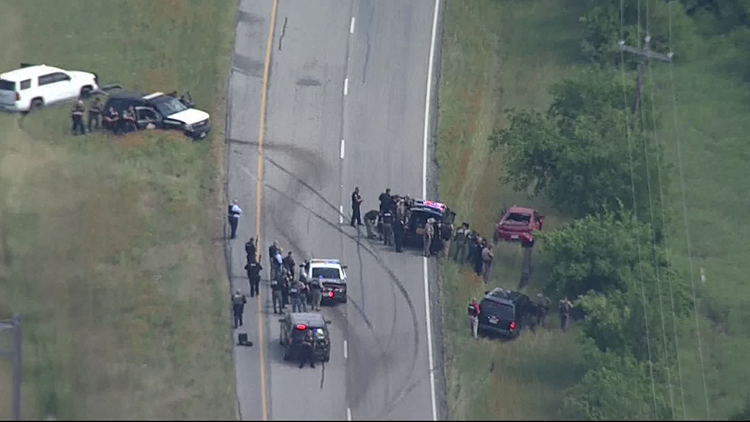 1 person in custody following chase, crash near Alvarado